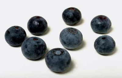 Blueberries are some of the best food sources to fight high cholesterol.