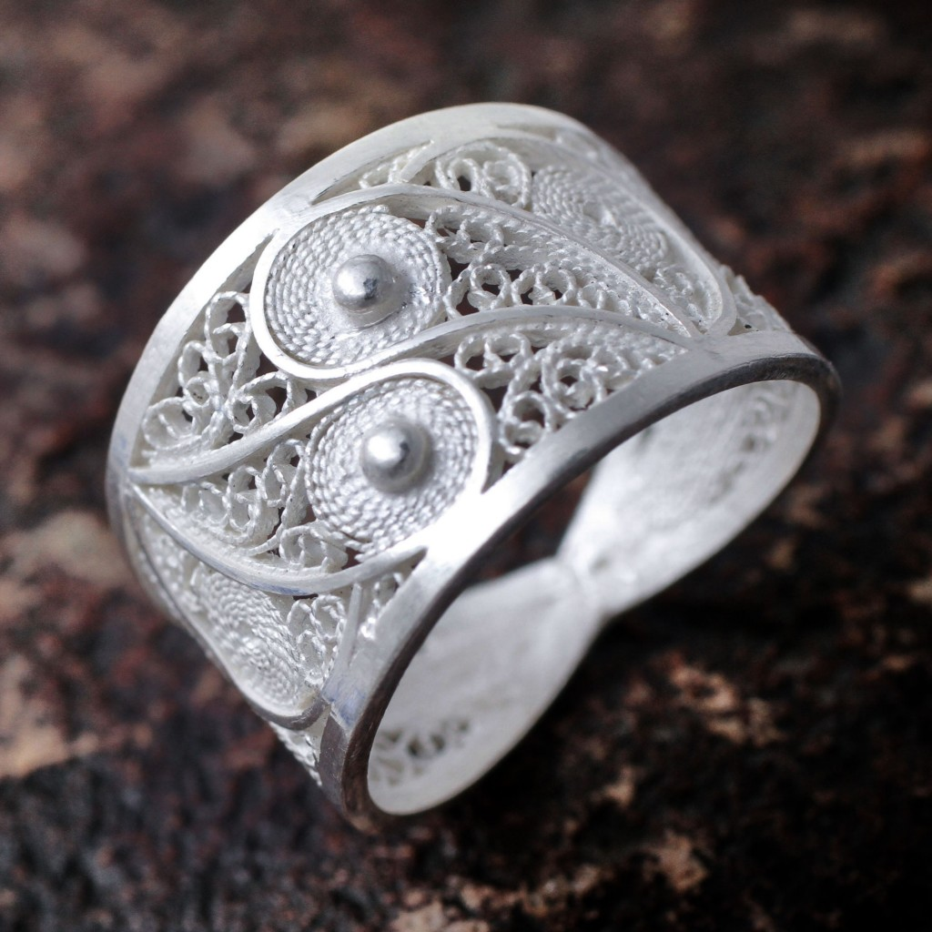 PaiHandcrafted Fine Silver Filigree Ring,